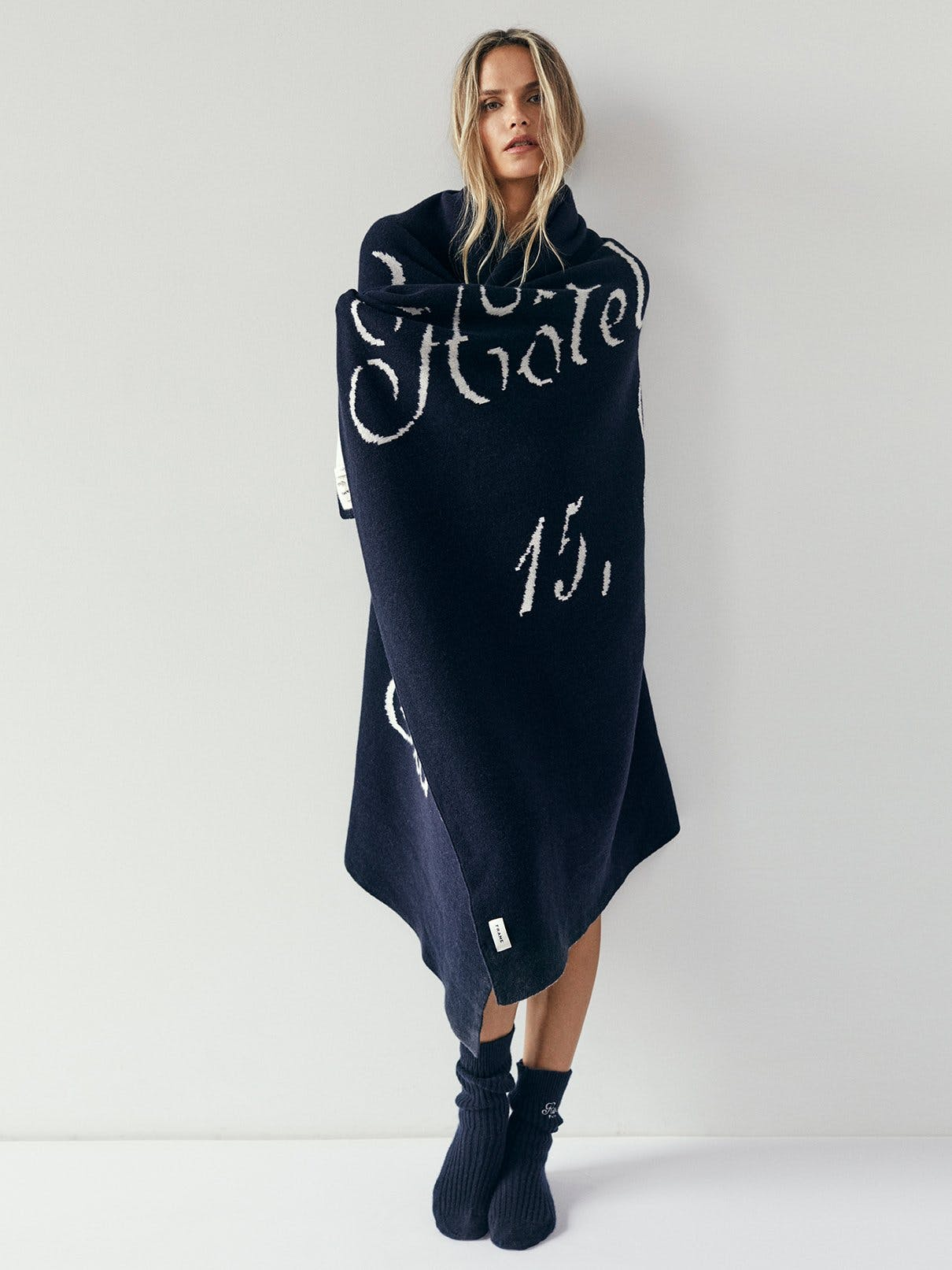 blanket on model front view