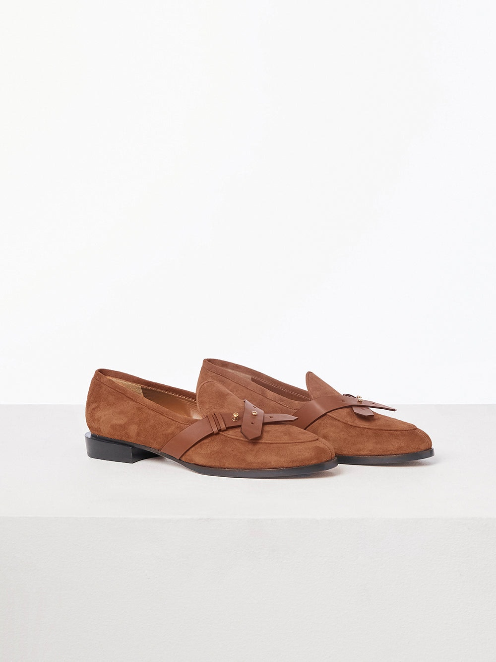shoe front view