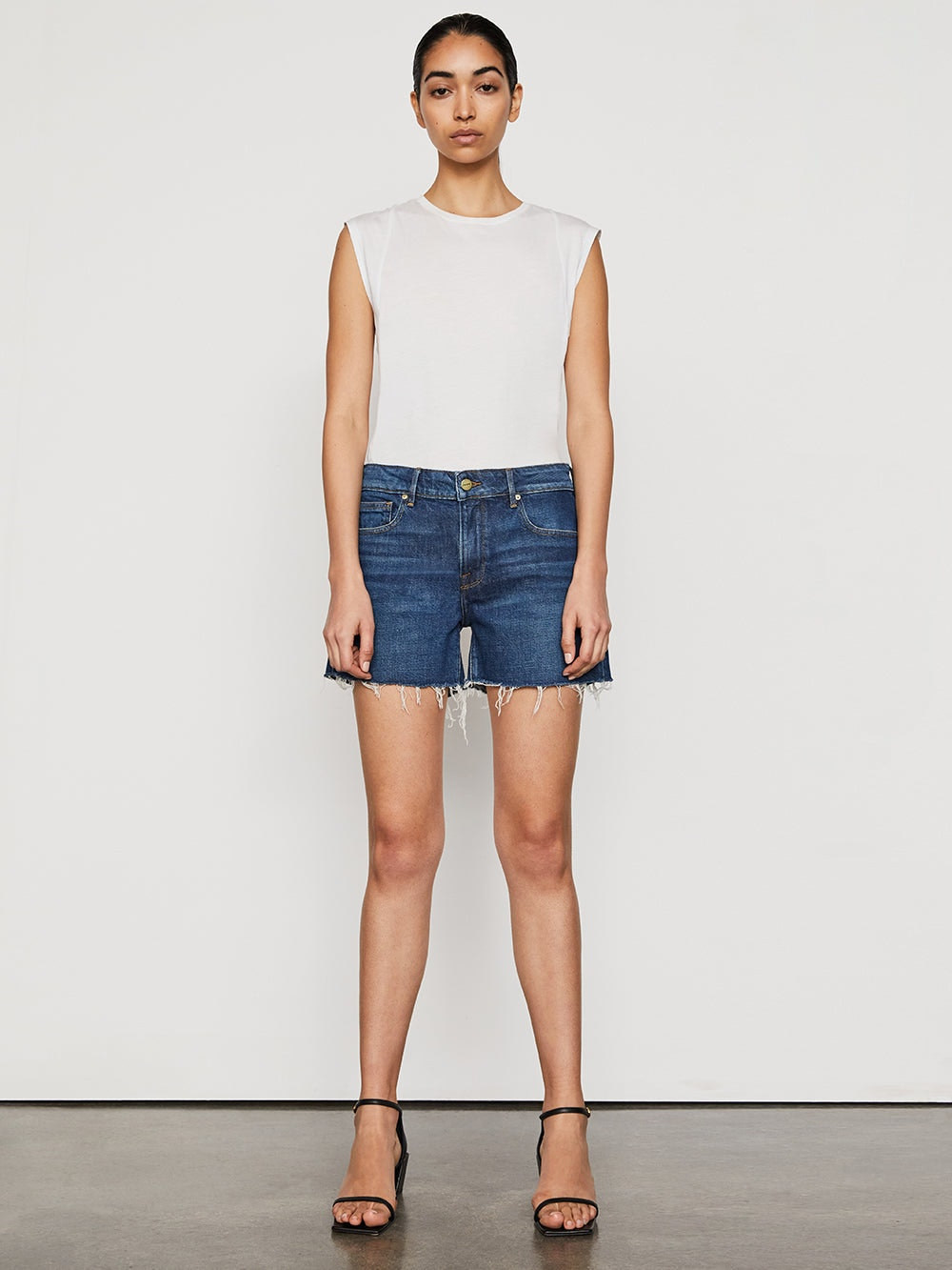 shorts front full body view alt:hover