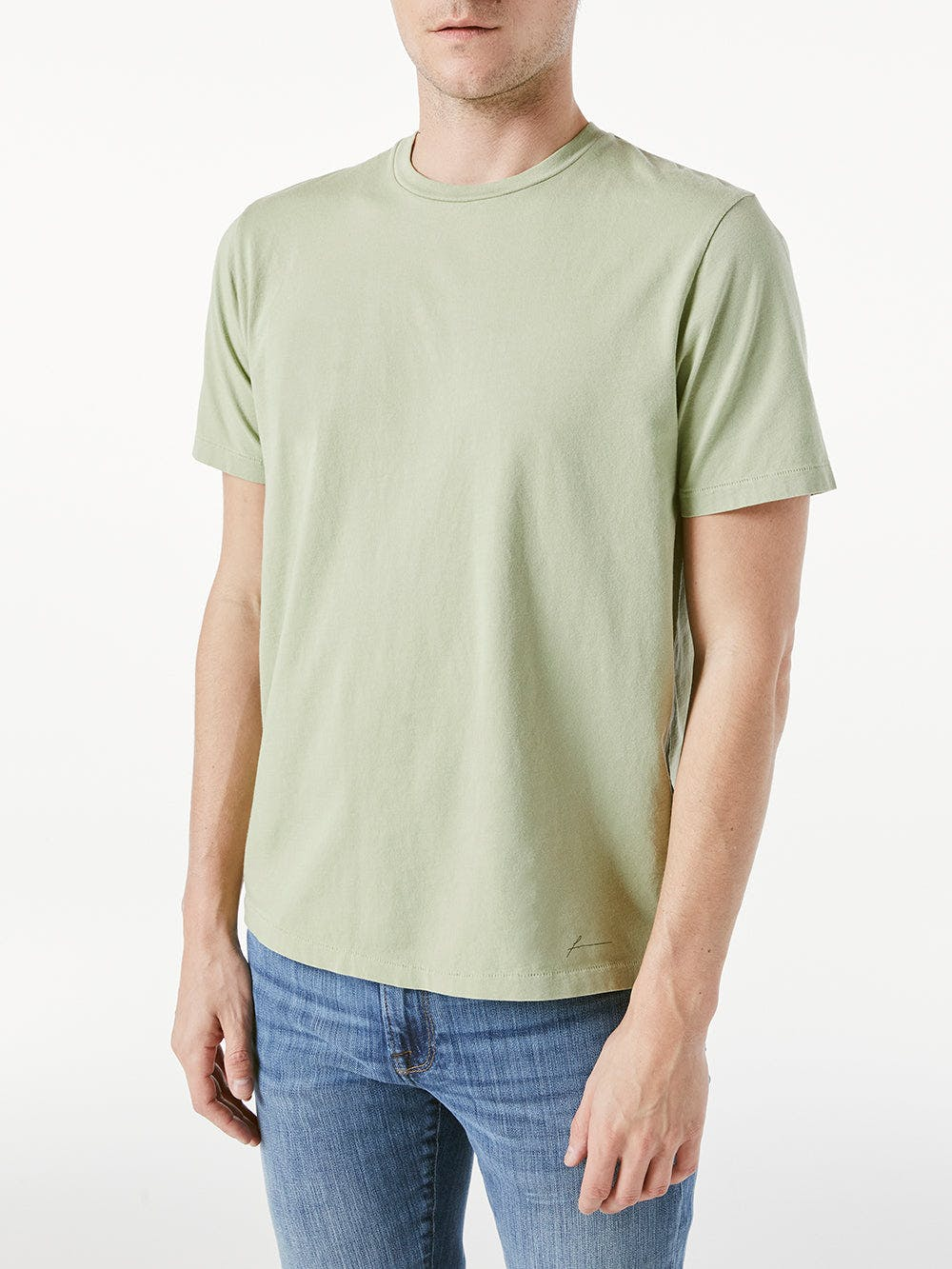tee front view