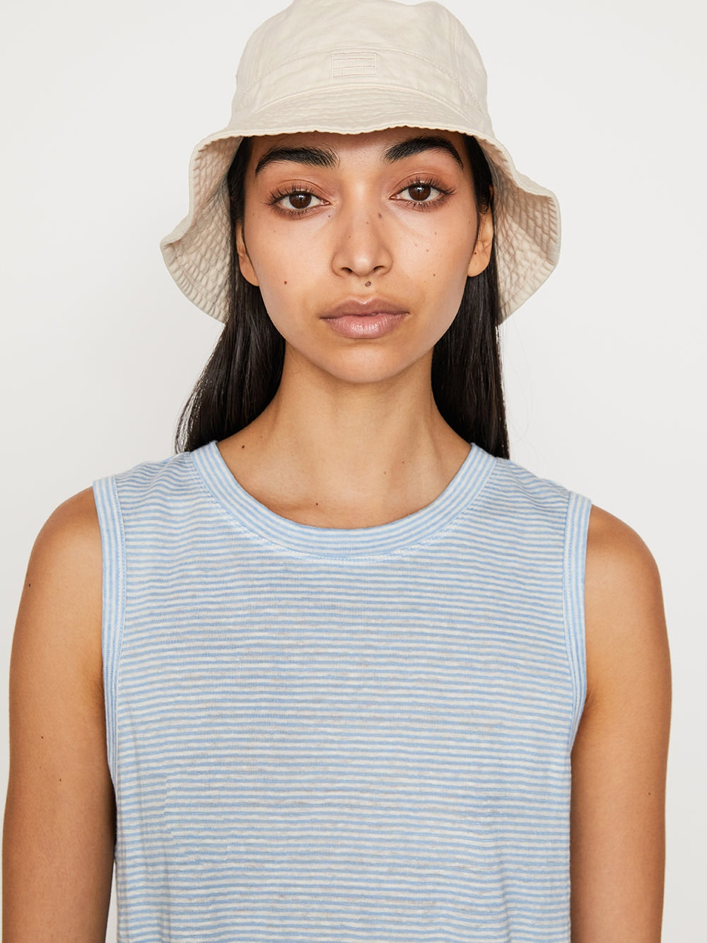 hat front view