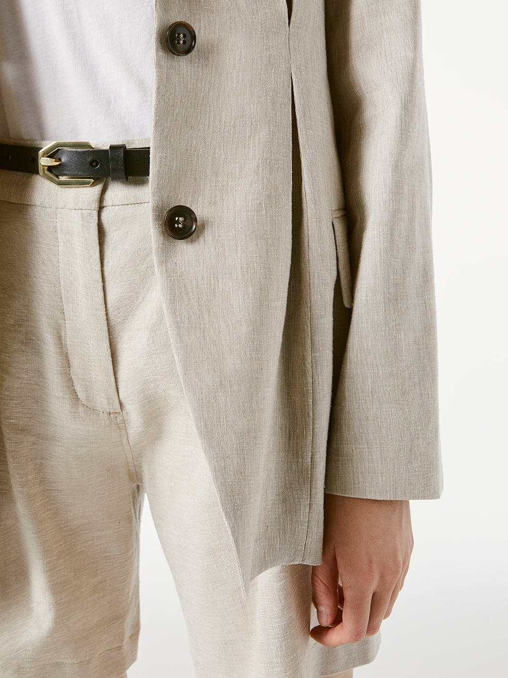 jacket detail view 2